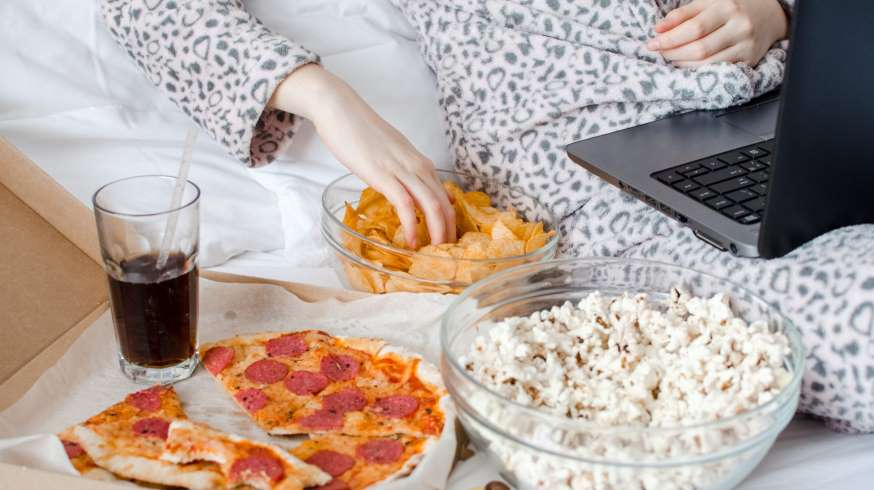 How to Prevent Overeating When You're Working from Home
